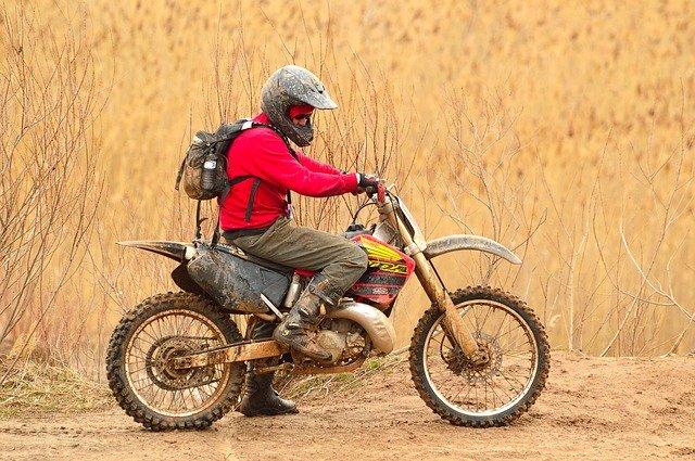 Motorrad fahren mit Autoführerschein. Seit 2020 ist dies unter bestimmten Voraussetzungen erlaubt.