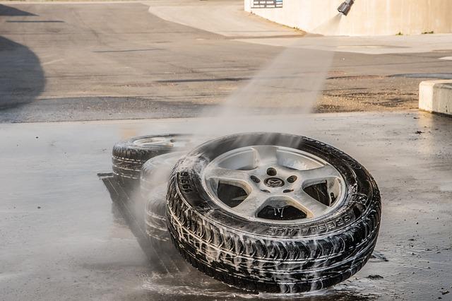 Nach dem Reifenwechseln: Reifen und Felgen reinigen