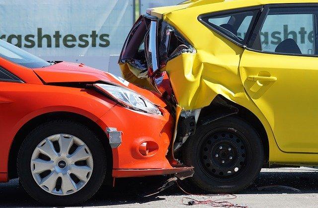 Ein Unfall kann ein Grund für eine Sonderkündigung der KFZ Versicherung sein.
